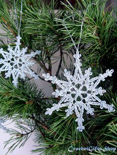 This pretty, delicate snowflake will make a beautiful accent to your Christmas tree or any holiday decor! You will want to crochet snowflakes for your tree, as gift wrap decorations, office decorations.Ravelry: Christmas Snowflake pattern by Irina Mu Crochet Snowflake Pattern, Christmas Crochet Patterns, Crochet Snowflakes, Snowflake Ornaments, Christmas Snowflakes, Christmas Crafts, Christmas Ornaments, Christmas Tree, Crochet Christmas