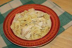 Slow cooker chicken pesto w/ farfalle
