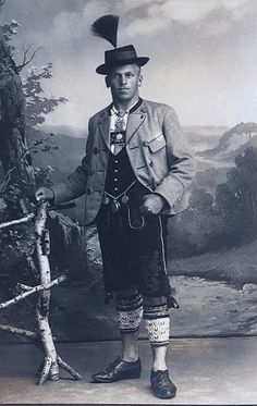 Mann in Tracht [man in costume], Holzkirchen-Gmund am Tegernsee, Bavaria… Fashion Victim, German Costume, German Folk, Mode Costume, Folk Clothing, People Of The World, Bavaria, Vintage Photographs, Historical Photos