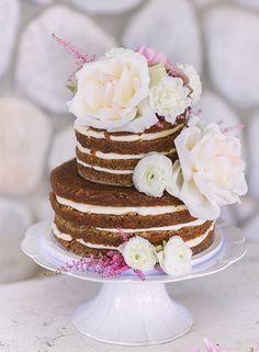 wedding cake idea; Featured Photographer: Chelsea Nicole Photography