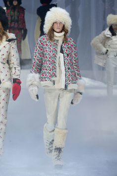 Moncler Grenoble Fall 2017 Ready-to-Wear Collection Photos - Vogue Moncler, Cool Coats, Fashion Show Collection, Couture, Fashion 2017, Fashion Weeks, Vogue Paris, Fall Winter, Winter 2017