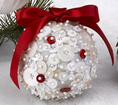 21 DIY Styrofoam Ball Christmas Ornaments, DIY and Crafts, 21 DIY Styrofoam Ball Christmas Ornaments — red white button ornament. Christmas Ornaments To Make, Noel Christmas, Homemade Christmas, Christmas Projects, Holiday Crafts, Christmas Wreaths, Christmas Bulbs, Christmas Decorations, Christmas Button Crafts