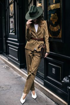 fall outfit, business casual outfit, fall work outfit, fall office outfit, office wear, 9 to 5 chic, street style, street chic style, fashion week 2016, fall trends 2016 - khaki fedora, brown suit, brown belt, white pointy heels, brown clutch