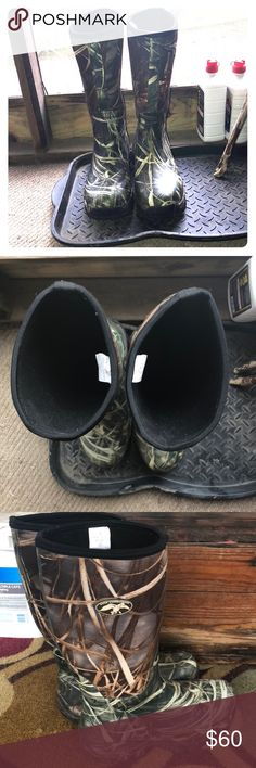 Duck Dynasty duck hunting boots! Camo Duck Dynasty Duck hunting boots! Men's size 11! Super warm and durable! Only been worn twice! Great condition! duck dynasty Shoes Combat & Moto Boots