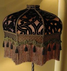 Victorian Lampshade – Bronze, Gold, and Black Velvet - All For House İdeas Victorian Lamps, Victorian Furniture, Antique Lamps, Antique Lighting, Table Diy, Table Lamps, Design Light, Design Design, Interior Design