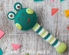 Giraffe rattle Crochet rattle Baby rattle toy by SmallDreamers Crochet Baby Toys, Crochet Toys Patterns, Stuffed Toys Patterns, Newborn Gifts, Baby Gifts, Teething Toys, Baby Teething, Dou Dou, Mercerized Cotton Yarn
