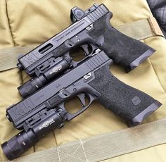 Dual Glock17Loading that magazine is a pain! Get your Magazine speedloader today! http://www.amazon.com/shops/raeind