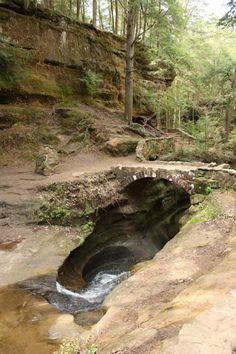 Devils bathtub at Old Mans Cave