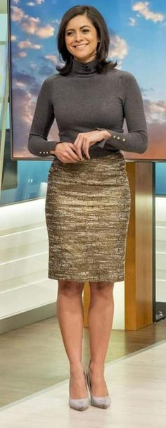 Weather Lady in dark Gray shirt & Gold dress Itv Weather Girl, Weather Girl Lucy, Hottest Weather Girls, Kirsty Gallacher, Lucy Wilde, Black Leather Pencil Skirt, Tv Girls, Bollywood, Queen Outfit