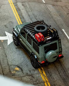 Mercedes G wagon overland roof rack. If you've been a fan of the off-road modified Mercedes G-Wagon than you will definitely appreciate the latest pro Mercedes G Wagon, Mercedes Benz Autos, Mercedes Benz G Class, Gwagon Mercedes, Mercedes G500, Jeep 4x4, Montero 4x4, Offroad, Pajero