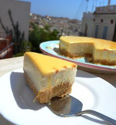 To απλο cheese cake λεμονιου ( σαν της δεσποινας) με curd λεμονιου!!!! The Kitchen Food Network, Greek Sweets, Sweet Breakfast, Group Meals, Greek Recipes, Confectionery, Cheesecakes, Bon Appetit, Food Network Recipes