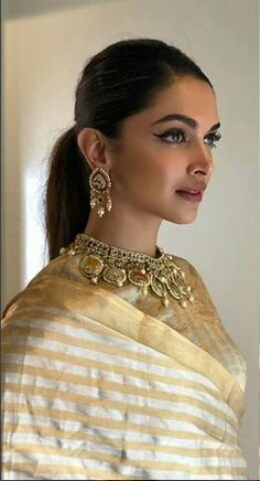 Today for #PAMAVATI PROMOTIONS Bollywood Designer Sarees, Bollywood Fashion, Bollywood Actress, Bollywood Celebrities, Dipika Padukone, Deepika Padukone Style, Saree Trends, Indian Designer Suits, Beautiful Hijab