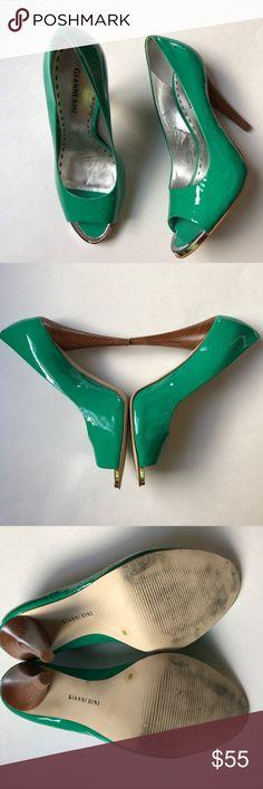 Kelly Green Gianni Bini Open Toe Heels Kelly Green Gianni Bini Open Toe Heels. Silver Detail at toe opening. 4 3/4 inch heel height. Great condition! Gianni Bini Shoes Heels