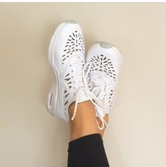 Nike Thea Cut Out