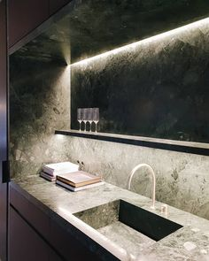 Green marble kitchen by Dieter Vander Velpen Architects  / marble by Il Granito
