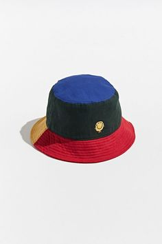 Shop Urban Outfitters for a selection of men's international clothing brands. Mr Men Little Miss, Cute Fall Outfits, Outfits With Hats, Bones Tumblr, Bucket Hat Outfit, Mens Bucket Hats, Kids Bucket Hat, Lazy Oaf, Cute Hats