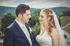 esküvői frizura fátyollal Wedding Dresses, Fashion, Bride Dresses, Moda, Bridal Gowns, Fashion Styles, Weeding Dresses, Wedding Dressses, Bridal Dresses