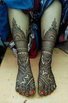 Latest Bridal Mehandi trends for Wedding Season Leg Mehendi Design, Leg Mehndi, Mehndi Designs For Girls, Mehndi Designs 2018, Dulhan Mehndi Designs, Mehndi Design Pictures, Mehndi Designs For Hands, Mehndi Images, Mehndi Art