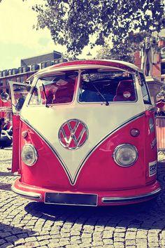 nice vw bus! Photo by Ajdacho