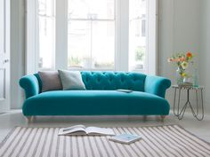 Modern Sofa Design: A Perfect Choice for Your Living Room Lounges, Living Room Sofa, Living Room Decor, Sofa Furniture, Furniture Design, Turquoise Sofa, Home Interior, Interior Design, Loaf Sofa