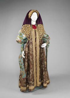 Russian ensemble, wealthy peasant woman's dress, c. late 18th- early 19th century.