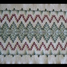 best ideas about Swedish weaving Swedish Embroidery, Types Of Embroidery, Crewel Embroidery, Embroidery Designs, Weaving Designs, Weaving Projects, Free Swedish Weaving Patterns, Huck Towels, Chicken Scratch Embroidery