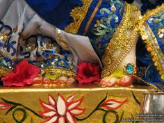 http://harekrishnawallpapers.com/sri-dwarkadhish-feet-iskcon-los-angeles-wallpaper-002/
