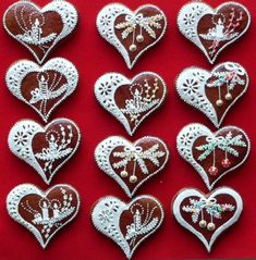 perník Made with cinnamon dough and decorated with white puff paint would be very pretty on the tree Fancy Cookies, Heart Cookies, Xmas Cookies, Valentine Cookies, Iced Cookies, Royal Icing Cookies, Cookies Et Biscuits, Valentines, Christmas Goodies