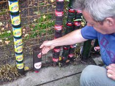 Make plastic bottles into a tower and pour water in at the top. After a few weeks you eat like a gourmet. - Make plastic bottles into a tower and pour water in at the top. After a few weeks you eat like a go - Vertical Vegetable Gardens, Vertical Garden Diy, Container Gardening Vegetables, Planting Vegetables, Patio Plants, Landscaping Plants, Potager Garden, Herb Garden, Sun Garden