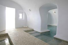 Kirini Suites & #Spa in #Santorini, #Greece www.mediteranique.com/hotels-greece/santorini/kirini-suites-spa/