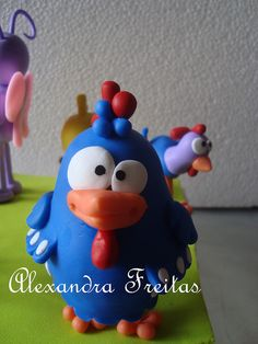 *SORRY, no information given as to product used ~ Turma da Galinha Pintadinha by Ateliê Alexandra Freitas, via Flickr