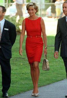 Fashion Looks, Beauty And Fashion, Royal Fashion, Princess Diana Fashion, Princess Diana Pictures, Lady Diana Spencer, Evelyne Dheliat, Style Royal, Most Beautiful Dresses