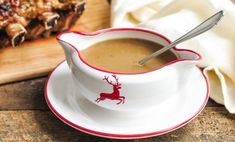 Make Jamie Oliver's Get Ahead Gravy for the perfect accompaniment to any roast dish, especially at Christmas. Healthy Recipes On A Budget, Healthy Recipes For Weight Loss, Healthy Meals For Kids, Healthy Meal Prep, Healthy Dinner Recipes, Easy Meals, Party Recipes, Easy Snacks, Diabetic Recipes