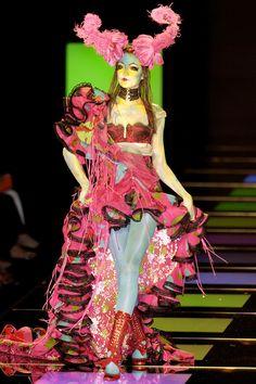 adjectival: Ai Tominaga @ Christian Dior F/W 2003 Haute Couture