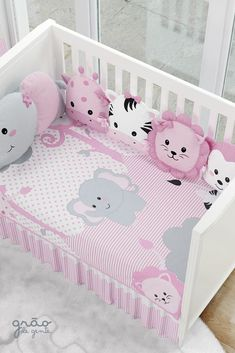 The Kit Crib Amiguinhas Safari comes to protect your little girl and teach love for animals from an Baby Crib Bedding, Baby Pillows, Baby Bedroom, Baby Room Decor, Baby Cribs, Nursery Decor, Safari, Baby Elephant Nursery, Baby Embroidery