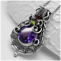 Heady wire wrap pendant - Wire wrapped pendant with Alexandrite - Pendant with gemstones - Purple pendant - Silver necklace