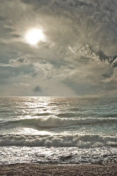 stunning sea  and sky...