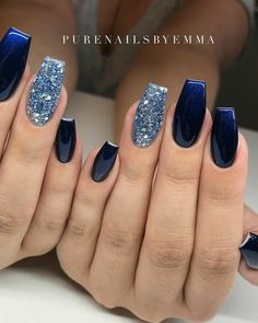 Make an original manicure for Valentine's Day - My Nails Aycrlic Nails, Hot Nails, Swag Nails, Navy And Silver Nails, Blue And White Nails, Nagellack Design, Blue Acrylic Nails, Blue Gel Nails, Dipped Nails