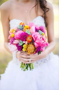 bright pink and orange wedding bouquet | bridal bouquet | fuchsia wedding ideas | #weddingchicks