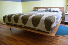 How Easy to Build DIY Platform Bed Designs Inspiration : DIY Traditional Platform Bed With Hairpin Legs Mid Century Bed, Mid Century Modern Bed, Furniture Projects, Home Projects, Diy Furniture, Furniture Plans, Diy Lit, Camas Murphy, Ideas
