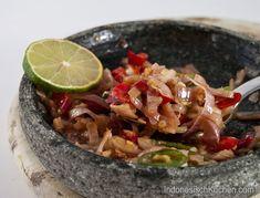 Rohes Sambal Typisch Bali (Sambal Matah) #asianfood #rezepte #kochblog #foodblog #indonesien #sambal #bali