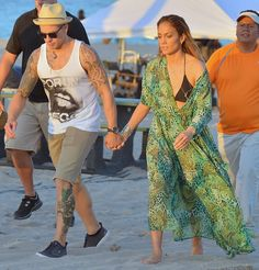 Pin for Later: 22 Celeb Snaps to Inspire Your Best Bikini Style Jennifer Lopez