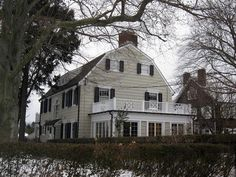 "The Real House of Amityville Horror - Amityville, NY. ""Amityville was horrible… Haunted House Pictures, Real Haunted Houses, Most Haunted, Creepy Houses, Spooky Places, Haunted Places, Abandoned Houses, Abandoned Places, Ghost Hauntings"