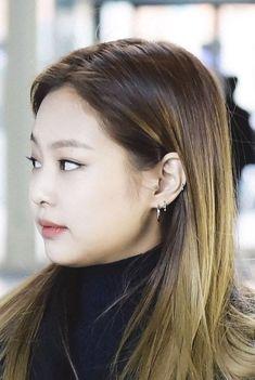 Ear Piercings Korean Piercings - Piercing Types And Meanings 2020 Ear Piercings Conch, Unique Ear Piercings, Multiple Ear Piercings, Cartilage Piercings, Rook Piercing, Black Stud Earrings, Gold Bar Earrings, Plugs Earrings, Ear Piercings Industrial