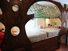娘へのサプライズ!子供部屋をおとぎの世界に   DIYer(s) ツリーハウスに住みたいと思っている娘さんのために!