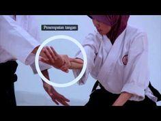 [Aikido Ukemi] 65 Ukemi Drills in 4 Minutes Steven Seagal, Aikido Video, Aikido Martial Arts, Marshal Arts, Self Defense Techniques, Kendo, Wing Chun, Krav Maga, Taekwondo