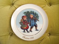 Vintage Avon Plates - Sharing the Christmas Spirit First Edition 1981 Babies Collectible Holiday Home Decor 22K Gold Ceramic Porcelain Plate by HexHeartHollow