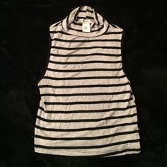 Arden B. Open back Striped Crop Top Pre-owned but in great condition! No stains, or tears! Adorable for a night out with highly waisted jeans/shorts! WILL IRON BEFORE BEING SHIPPED Arden B Tops Crop Tops