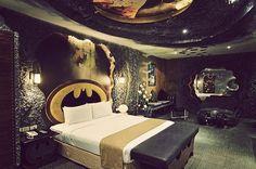Batman Bedroom! Ehrmehgersh!! You guise!!! @Amanda L. It's yours and chad's dream bedroom! lol