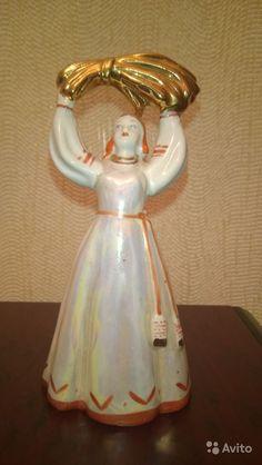 """Фарфоровая статуэтка """"Девушка со снопом"""" Дулёво 64-68 гг. Высота 15 см, купить в Москве на Avito — 1500 руб."""